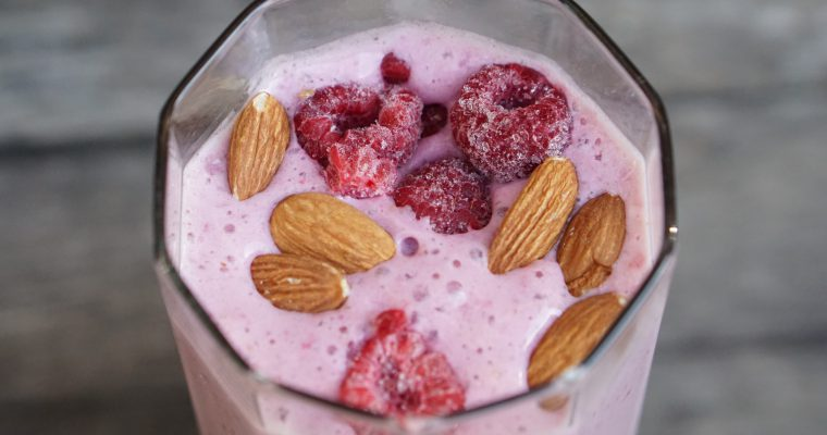 Refreshing Raspberry Almond Smoothie